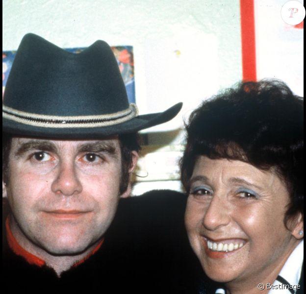Elton John et sa mère Sheila en novembre 1991