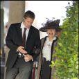 Sheila Farebrother lors du mariage civil de son fils Elton John avec Daivd Furnish, le 21 décembre 2005 au Guildhall, Windsor