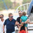 Exclusif - Elton John, son compagnon David Furnish et leurs fils Elijah et Zachary rentrent sur Nice après avoir passé la journée à Saint-Tropez, le 19 août 2014