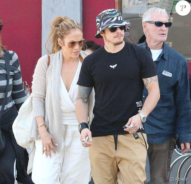 Jennifer Lopez et Casper Smart vont déjeuner ensemble à The Griddle Cafe de Los Angeles, le 29 mars 2015