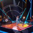 Mika chante son nouveau  single ,  Talk about you  - Premier  live  de  The Voice 4  sur TF1. Samedi 4 avril 2015.