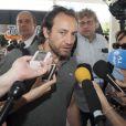 Philippe Candeloro à l'aéroport de Buenos Aires le 13 mars 2015, quittant l'Argentine pour rentrer en France après le drame de Dropped.