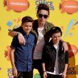 Brooklyn, Romeo et Cruz Beckham lors des Kids Choice Awards au Forum d'Inglewood, à Los Angeles le 28 mars 2015