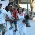 Alicia Keys se promene avec son fils Egypt a Rio de Janeiro, le 14 septembre 2013.