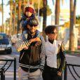 Alicia Keys, Swizz Beatz et leur fils Egypt dejeunent sur la plage de Cannes le 28 Janvier 2013.