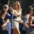 """Jennifer Lopez à la sortie des studios de l'émission """"American Idol"""" à Hollywood, le 15 avril 2015"""