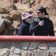 """Exclusif - Prix spécial - Jennifer Lopez et Casper Smart passent une journée en famille avec les enfants de Jennifer, Max et Emme, à Mexico. Après avoir visité le parc """"La Bufadora"""", la petite famille a passé du temps sur la plage où Casper a fait du jet ski et les enfants ont fait du cheval. Le 6 avril 2015"""