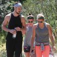 Exclusif - Lea Michele et son compagnon Matthew Paetz ont fait une randonnée avec une amie au parc TreePeople à Studio City, le 4 avril 2015. City