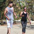 Exclusif - Lea Michele et son compagnon Matthew Paetz se promènent au TreePeople Park à Studio City, le 25 octobre 2014.