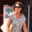 Exclusif - Carole Middleton fait les soldes sur Kensington High Street à Londres, le 15 juillet 2014.
