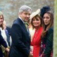 Pippa, Michael et Carole Middleton au mariage de Rowena Macrae et Julian Osborne en l'église Fowlis Wester Parish à Perthshire en Ecosse le 26 avril 2014.