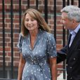 Carole et Michael Middleton étaient les premiers visiteurs à la maternité Lindo, le 23 juillet 2013, après la naissance du prince George de Cambridge