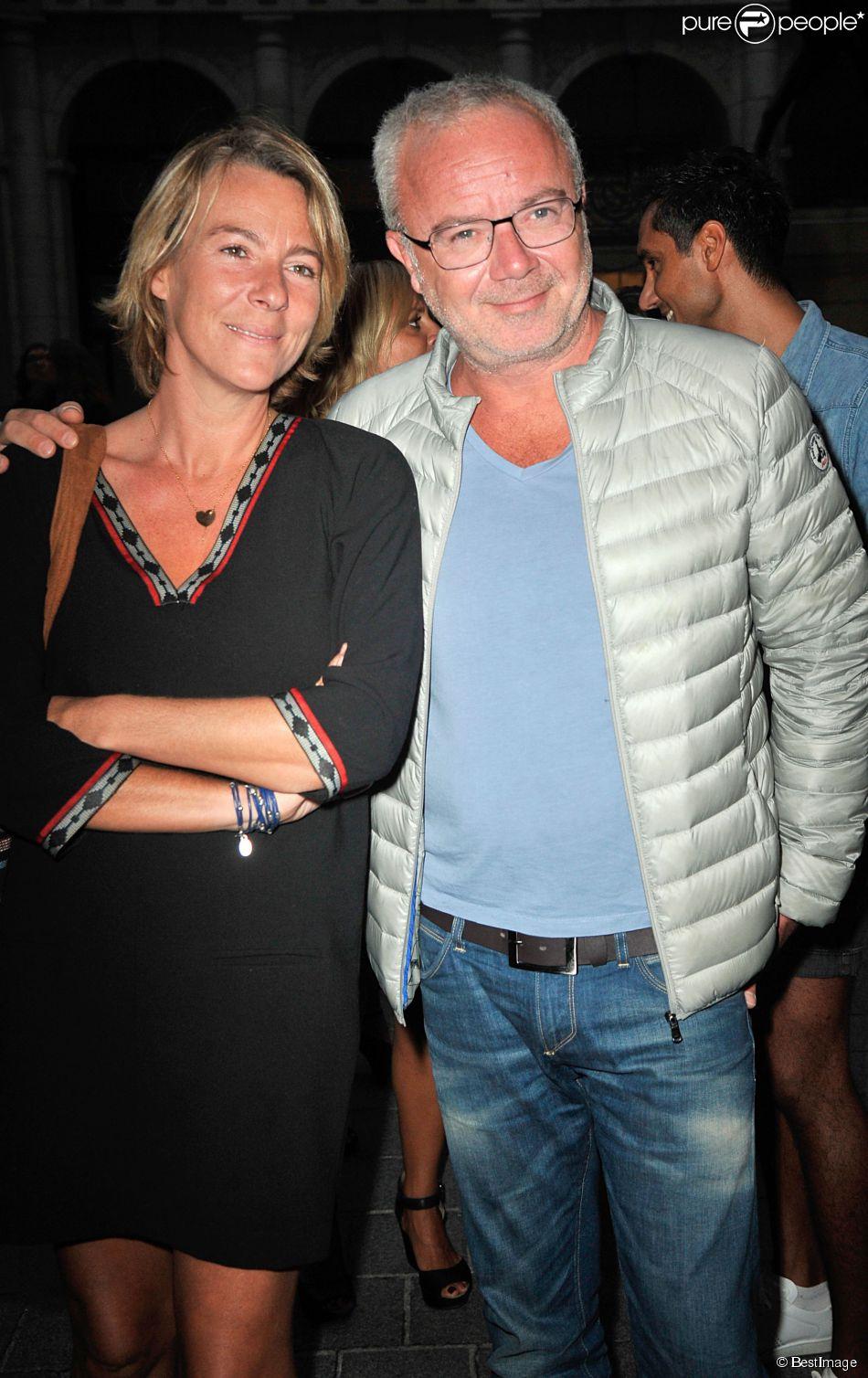 Olivier Baroux et sa femme Coralie - Avant Première du film 'Bon Rétablissement' au théatre Edouard VII à Paris le 8 septembre 2014.08/09/2014 - Paris