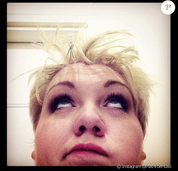 Mathilde (The Voice 4), devenue blonde, le vendredi 24 avril 2015.