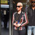 Amber Rose quitte l'hôtel W pour se rendre dans les studios de la Radio 1 de la BBC à Londres. Le 22 avril 2015