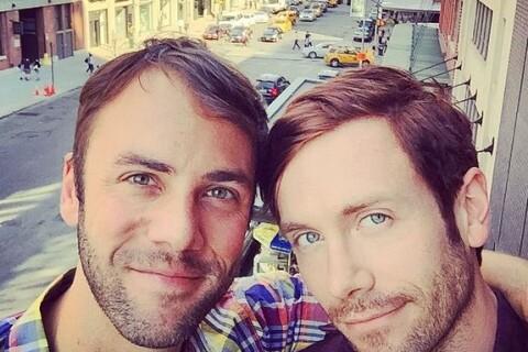 Kit Williamson : L'acteur de Mad Men s'est fiancé avec son chéri