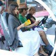 Exclusif - Anthony Kiedi est allé chercher son fils en voiture de golf avec sa petite amie Helena Vestergaard à Malibu. Le jeune Everly est heureux de conduire la petite voiture. Le 29 octobre 2014.