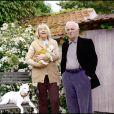 EXCLUSIF - Charles Aznavour et son épouse Ulla dans leur maison es Yvelines, le 7 mai 2009.