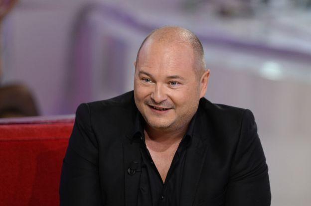 """Cauet à l'enregistrement de l'émission """" Vivement Dimanche """" diffusée le 3 Mai 2015."""
