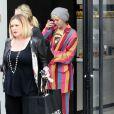 Miley Cyrus fait du shopping à Beverly Hills , le 21 avril 2015