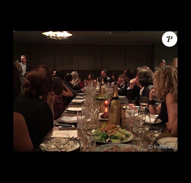 Sofia Vergara et Joe Mangiello ont fêté leur futur mariage au club privé Soho House à Hollywood avec les membres de leur famille et Arnold Schwarzenegger, le 9 mai 2015 sur Instagram