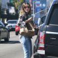 Exclusif - Sofia Vergara est allée acheter des coussins dans un magasin de décoration à West Hollywood, le 2 mai 2015 ywood
