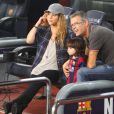Shakira (enceinte) et son fils Milan vont encourager Gerard Piqué et le FC Barcelone au Camp Nou le 18 octobre 2014