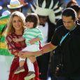 La chanteuse Shakira et son fils Milan lors de la finale de la coupe du monde de la FIFA 2014 à Rio de Janeiro, le 13 juillet 2014.
