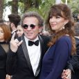 """Philippe Manoeuvre et sa femme Candice de la Richardière - Valérie Damidot et son compagnon Régis, lors de la montée des marches du film """"Mad Max : Fury Road"""" lors du 68 ème Festival International du Film de Cannes, à Cannes le 14 mai 2015."""