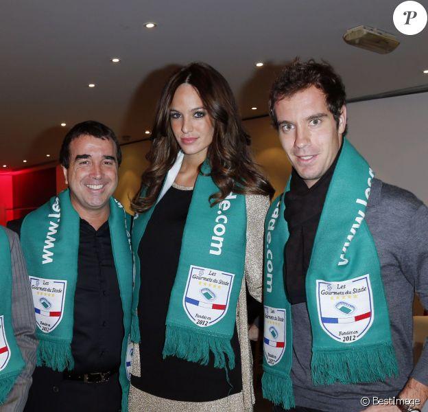 EXCLUSIF - Arnaud Lagardère, son épouse Jade Foret et Richard Gasquet à l'occasion du rassemblement des Gourmets du Stade avec la rencontre France-Espagne à Levallois-Perret le 16 octobre 2012