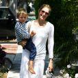 Kelly Rutherford avec son fils Hermes et sa fille Helena, à Beverly Hills le 12 juin 2010