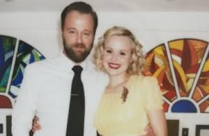 Alison Pill s'est mariée : La star de ''The Newsroom'' portait une robe jaune !