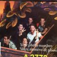 Alizée et Grégoire Lyonnet : journée délirante avec leurs amis Christophe Licata, son épouse Coralie, Julien Brugel et Candice Pascal à Disneyland Paris – ici dans le train de la mine