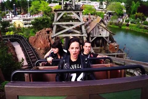 Alizée : Sa reprise secouée de ''La Reine des Neiges'' à Disneyland Paris...