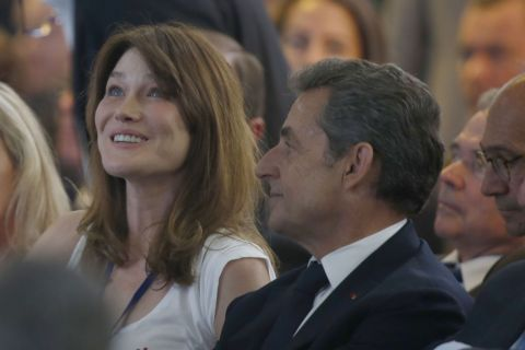 Carla Bruni-Sarkozy : Fière de Nicolas, elle applaudit son défi 'Républicain'
