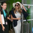 Nicole Scherzinger arrive à l'aéroport de Nice pour prendre un hélicoptère pour Monaco, le 17 mai 2015