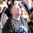 Alain Vastine entouré de sa famille lors de l'enterrement de son fils Alexis, le 25 mars 2015 en l'église Saint Ouen à Pont-Audemer