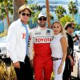 Bruce Jenner, son ex-femme Linda Thompson et leur fils Brody à la Celebrity Race of 2012 Toyota Grand Prix, dans les rues de Long Beach le 14 avril 2012