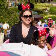 Mariah Carey a Disneyland avec les enfants Monroe et Moroccan à Paris, le 7 juin 2015