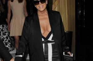 Kris Jenner : De passage à Paris, la momager dévoile un décolleté vertigineux