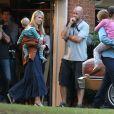 "Tom Cruise et Sarah Wright sur le tournage du film ""Mena"" à Atlanta, le 19 mai 2015"