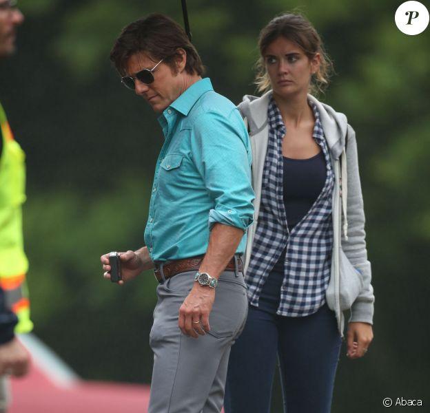 """Tom Cruise avec son assistante Emily sur le tournage de """"Mena"""" en Géorge le 27 mai 2015."""