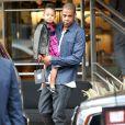 Jay-Z et sa femme Beyoncé font du shopping avec leur fille Blue Ivy à Beverly Hills, le 11 novembre 2014.