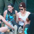 Kristen Stewart et sa supposée petite amie Alicia Cargile lors du 3e jour du festival Coachella Valley Music and Arts à Indio, le 19 avril 2015.