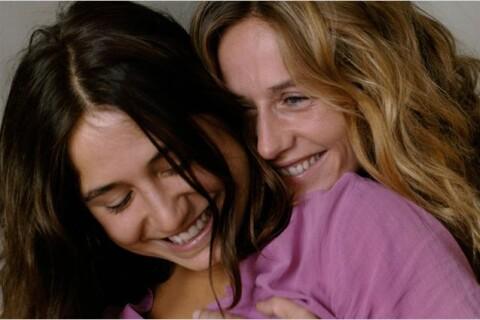 Cécile de France et Izïa Higelin affichent leur amour à ''La Belle Saison''
