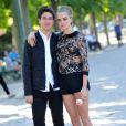 """Cara Delevingne, Nat Wolff - Photocall du film """"La Face Cachée de Margo"""" (Paper Towns) au Champ-de-Mars le 17 juin 2015 à Paris."""
