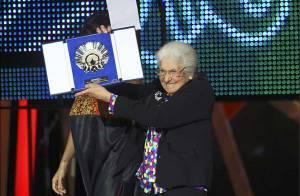 PHOTO : Tsilla Chelton :  Notre Tatie Danielle, 90 ans, récompensée à Saint-Sébastien ! (réactualisé)