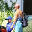 Exclusive - Nicole Richie et son fils Sparrow, après l'école, s'offrent un moment de gourmandise chez Menchie's Frozen Yogurt, le 19 juin 2015