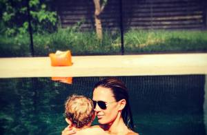 Vitaa : Maman complice avec son petit Adam, en bikini sous le soleil du Maroc