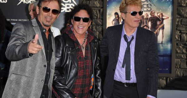 deen castronovo le bassiste du groupe journey arr t pour viol et agression. Black Bedroom Furniture Sets. Home Design Ideas